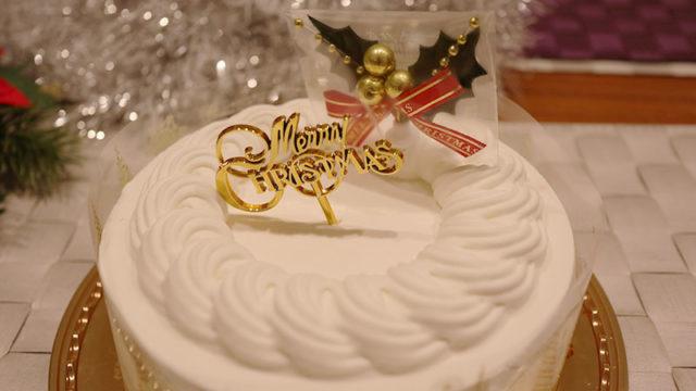 クリスマスケーキのトッピング