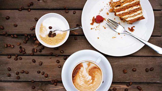 ダイエット中のスタバさくら2020!ラテ&フラペチーノの糖質・カロリーは?【ドリンクとフードの選び方】