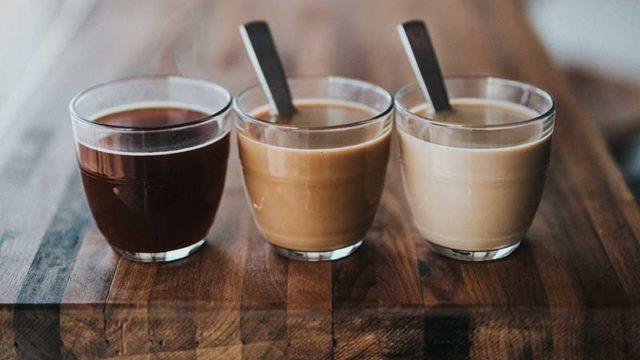 スタバ新作『チョコレートwithミルクティー フラペチーノ』の糖質は?カスタマイズ